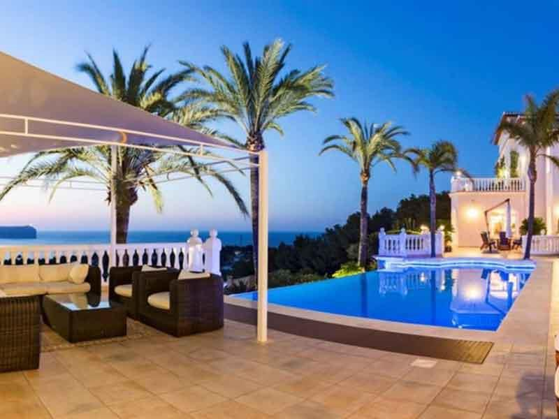 Luxury Waterfront Homes and Oceanfront Properties for Sale